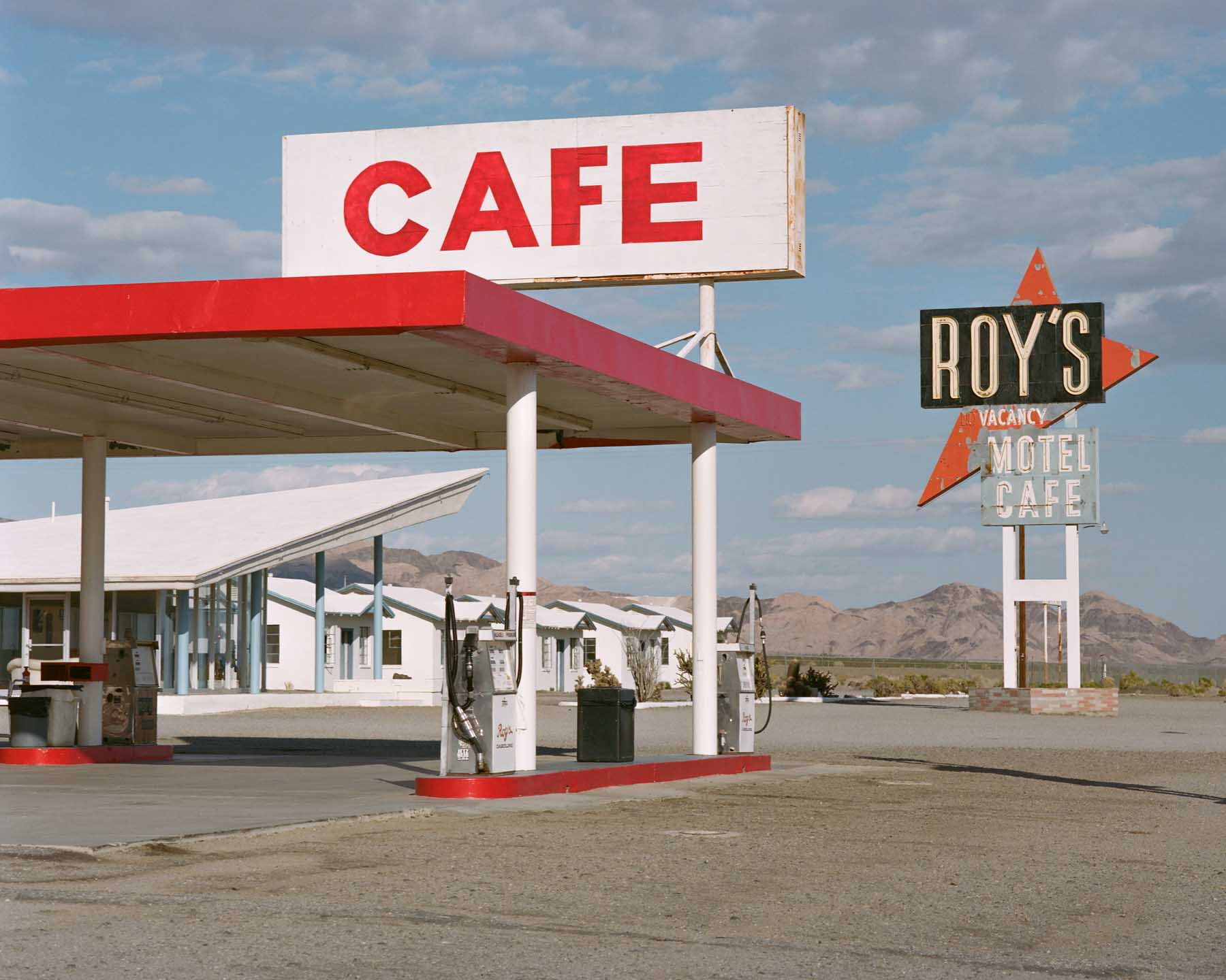 Dino Kužnik, Shaped by the West, Roy's Cafe